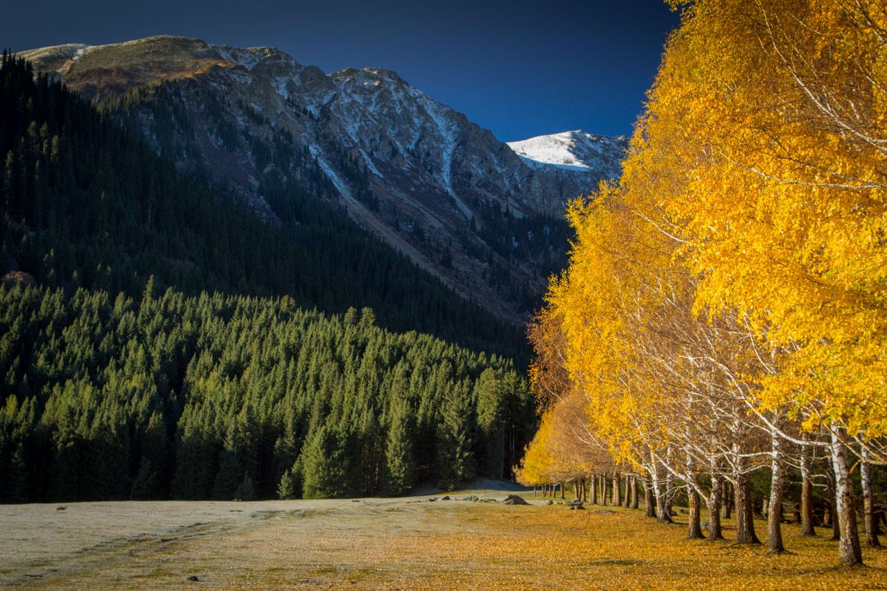 Jeti-Oguz gorge in autumn